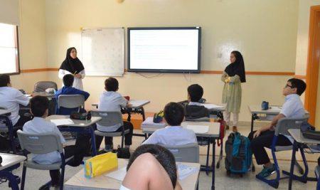 سخنرانی خانم دکتر منصوری درخصوص عفونت و بیماری های عفونی برای دانش آموزان پایه ششم بین الملل